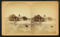 Family_in_front_of_a_sod_house_01