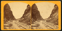Railroad_track_to_West