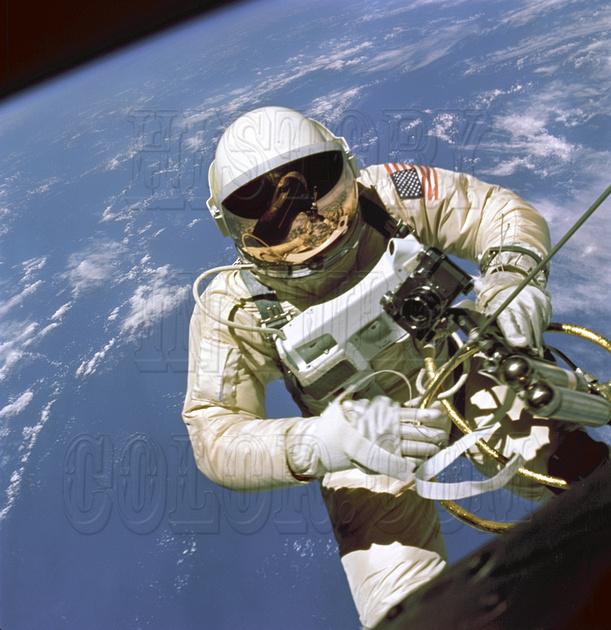 Official Portrait photo Astronaut Neil Armstrong spacesuit Apollo 11 9018112