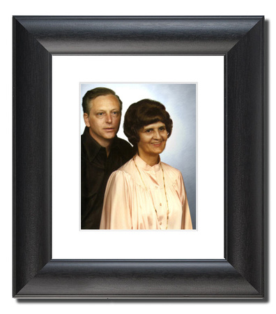 Parents Black Curved Frame